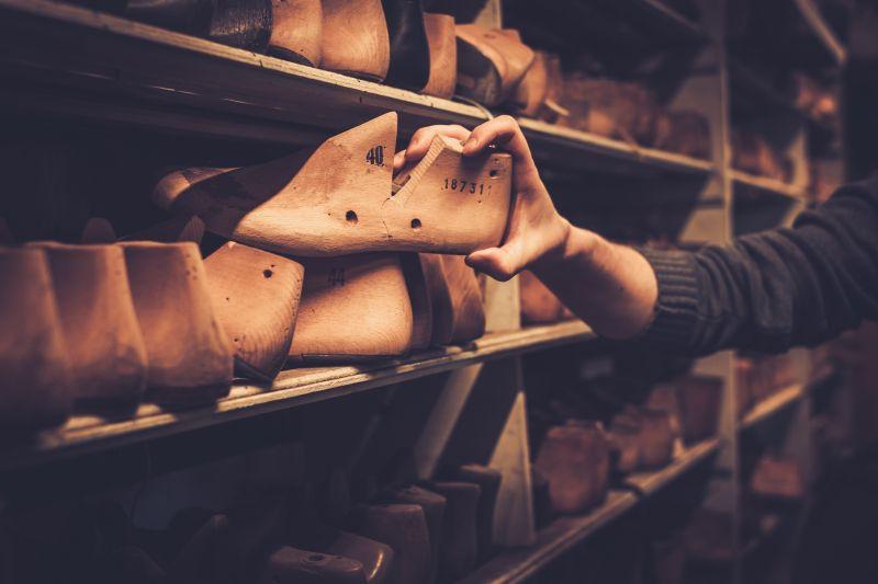 wooden-shoe-last