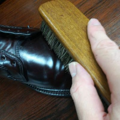 englishguild-horse-brush-1
