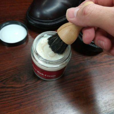 englishguild-horse-penetrate-brush-2