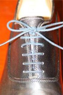 革靴のタンが甲に当たって痛い場合【革靴のお手入れ】